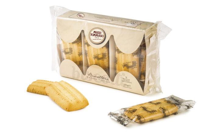 Biscottoni Tommaso Muzzi con panna fresca